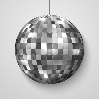 Espejo bola de discoteca aislada.