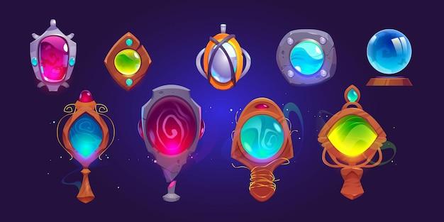 Espejos amuletos mágicos y esfera de cristal.