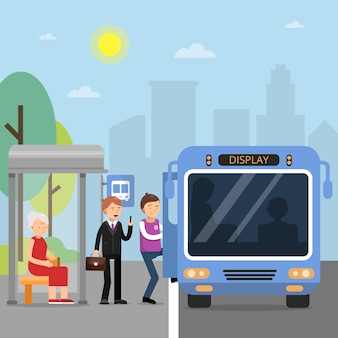 Estación de autobuses públicos con pasajeros que se sientan en el autobús