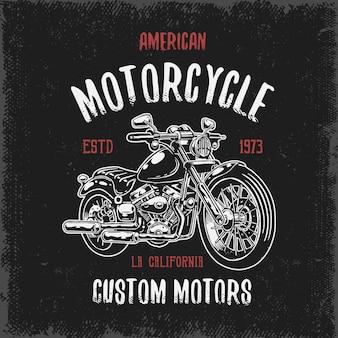 Estampado de camiseta con motocicleta dibujada a mano sobre fondo oscuro y textura grunge