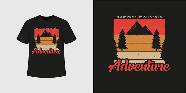 Estilo de camiseta de aventura de montaña de verano y diseño de ropa de moda con siluetas de árboles y montañas, tipografía, impresión, ilustración vectorial.