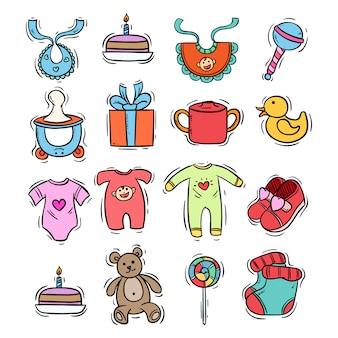 Estilo dibujado a mano de iconos de bebé en patrones sin fisuras con color