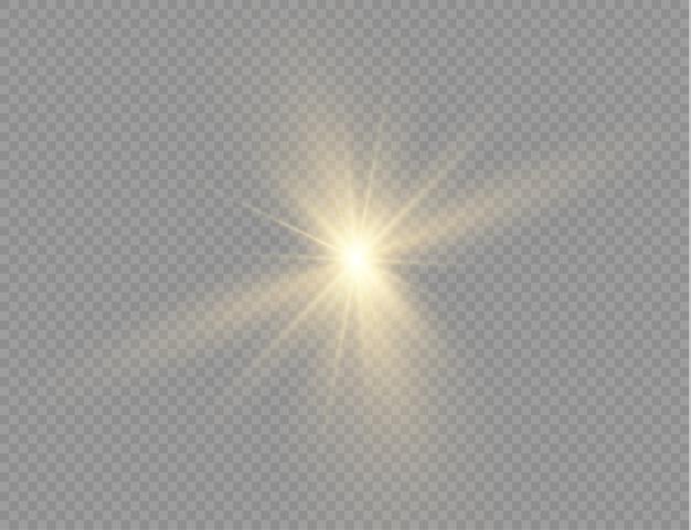 La estrella estalló con brillo, resplandor estrella brillante, luz amarilla brillante estalló sobre un fondo transparente, rayos de sol amarillos, efecto de luz dorada, destello de sol con rayos