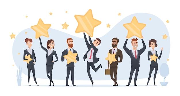 Estrellas de calificación. personas que tienen en las manos varias estrellas de calificaciones y reseñas del concepto de negocio. estrellas de valoración de ilustraciones y comentarios