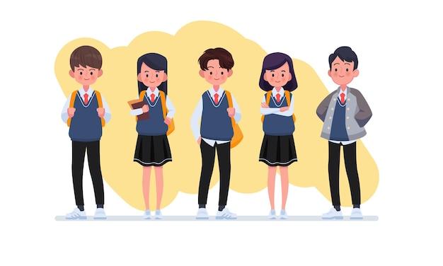 Estudiante con colección de personajes uniformes.