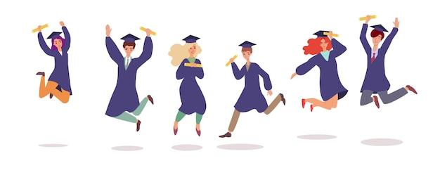 Estudiantes de dibujos animados en toga y birrete saltando en el aire aislado conjunto