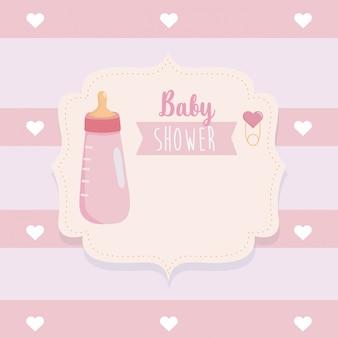 Etiqueta de biberón con decoración de corazones.