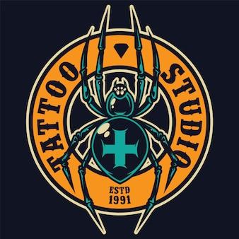 Etiqueta redonda colorida del salón de tatuaje