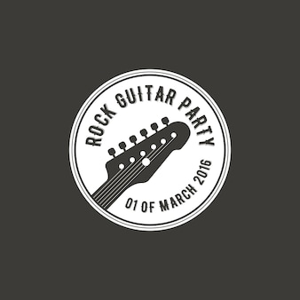 Etiqueta de vector de fiesta de guitarra de rock, insignia, logo emblema con instrumento musical. ilustración vectorial de stock aislada sobre fondo oscuro.