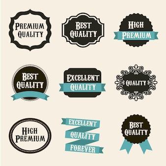 Etiquetas de calidad premium sobre fondo beige.