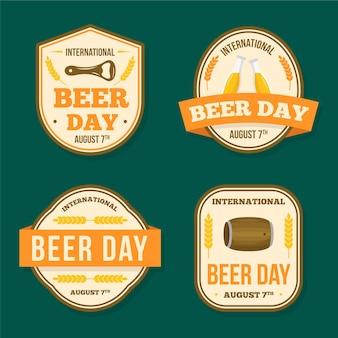 Etiquetas del día internacional de la cerveza en diseño plano