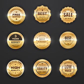 Etiquetas de garantía y calidad emblemas dorados con ramas de laurel, estrellas y coronas.
