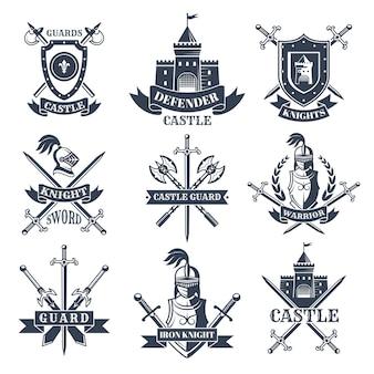 Etiquetas o distintivos con imágenes de caballeros medievales, cascos y espadas.