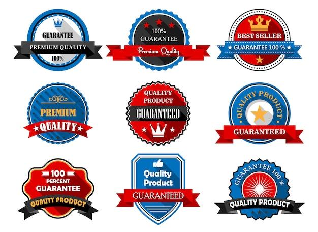 Etiquetas planas de productos de calidad y premium con varios textos que garantizan la calidad de los productos en marcos redondos y un escudo con pancartas de cinta