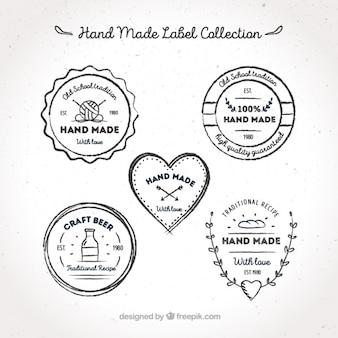 Etiquetas sobre oficios artesanales, dibujadas a mano
