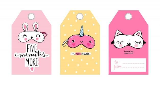 Etiquetas de vector lindo con máscaras para dormir y citas. colección de tarjetas de vector. venda para los ojos clásica y con forma de animal: unicornio, gato, conejo.