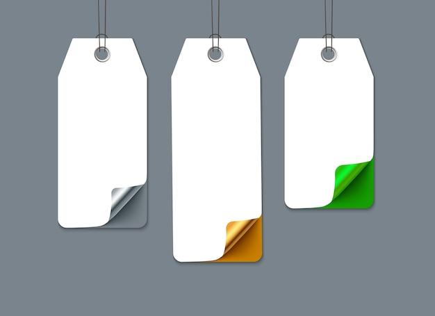 Etiquetas de venta numeradas con esquina curvada. papel realista. plantilla para promoción