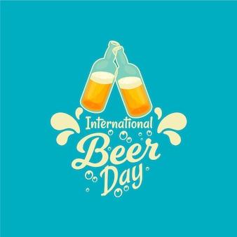 Evento del día de la cerveza con mano sosteniendo la taza