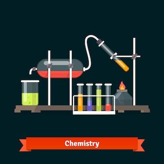 Experimento químico de laboratorio y cristalería