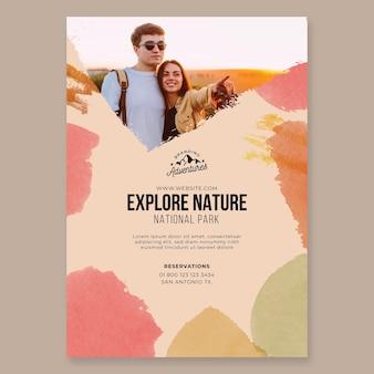 Explora la naturaleza plantilla de cartel de senderismo