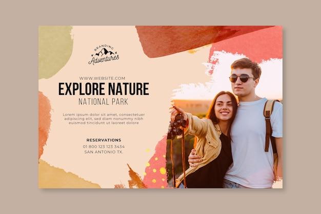 Explora la plantilla de banner de senderismo por la naturaleza