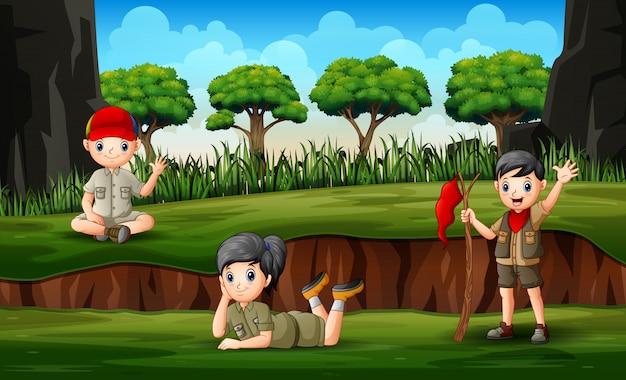 Los exploradores disfrutando en el parque