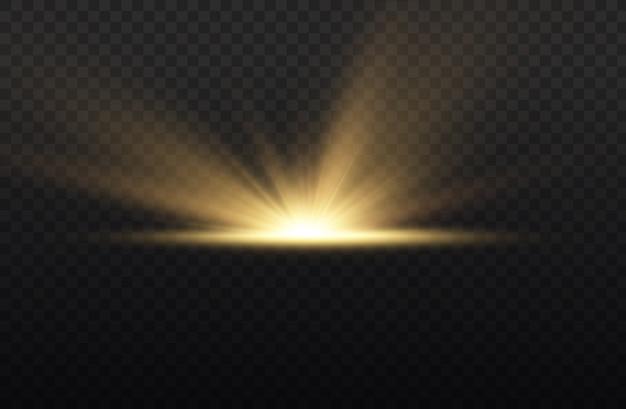 Explosión de estrellas sobre fondo transparente, rayos de sol de luces de resplandor amarillo, efecto especial de destello con rayos de luz.