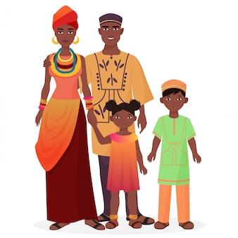 Familia africana en ropa nacional tradicional.
