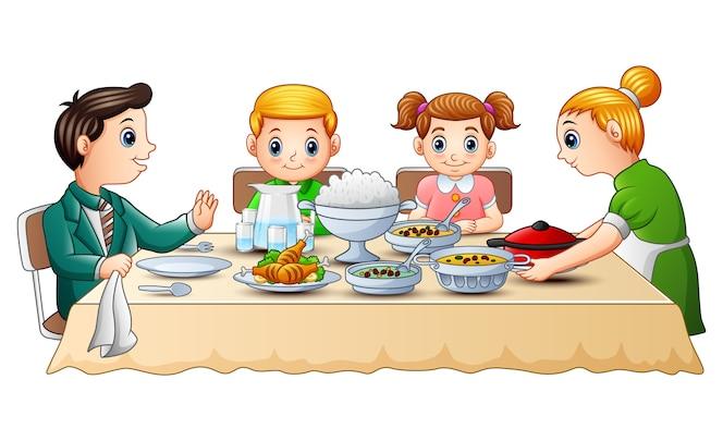 Familia feliz cenando juntos en la mesa de comedor