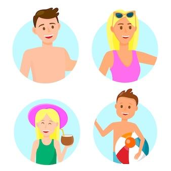Familia feliz con los niños en los iconos de ropa de playa