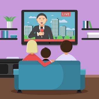 Familia pareja sentada en el sofá y viendo noticias en la televisión