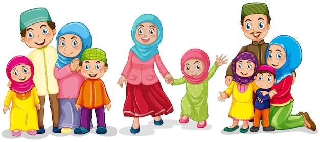 Familias musulmanas luciendo felices