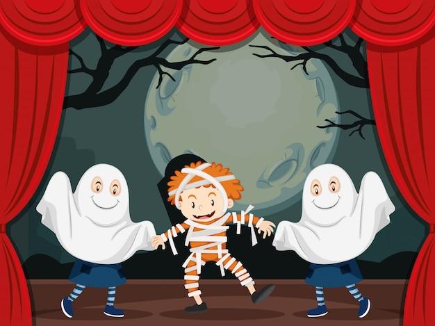 Fantasmas y momia en el escenario.