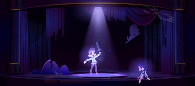 Fantasmas de niños en el antiguo escenario del teatro por la noche.