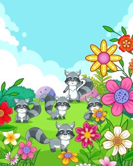 Felices lindos mapaches con flores jugando en el jardín