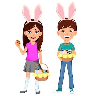 Felices pascuas. niños lindos con orejas de conejo