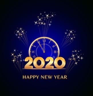 Feliz año nuevo 2020 texto con números dorados y reloj vintage en azul con fuegos artificiales