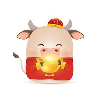 Feliz año nuevo chino 2021. diseño de personajes de dibujos animados little ox con traje rojo chino tradicional, sosteniendo lingote de oro chino aislado. el año del toro. zodíaco del buey.