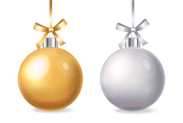 Feliz año nuevo, feliz navidad, hola invierno, bola de navidad realista, compre ahora, banner de venta, ilustración aislada de bola de oro y plata