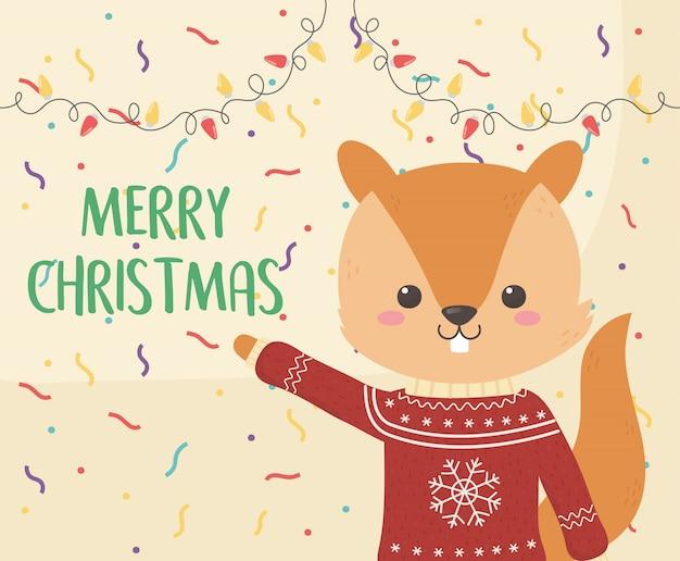 Feliz celebración de navidad linda ardilla con suéter luces decoración de confeti