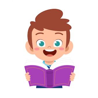 Feliz chico lindo estudio con sonrisa