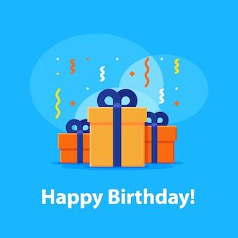 Feliz cumpleaños, invitación de aniversario, grupo de tres cajas