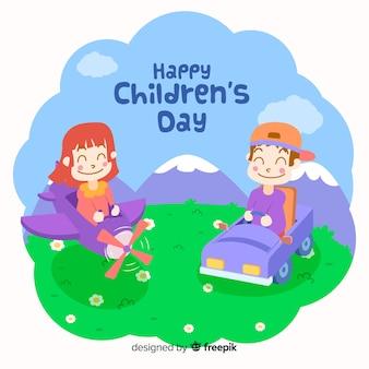 Feliz día del niño con niños jugando afuera y sonriendo