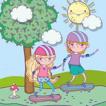Feliz día de los niños, niño y niña montando patineta en el parque