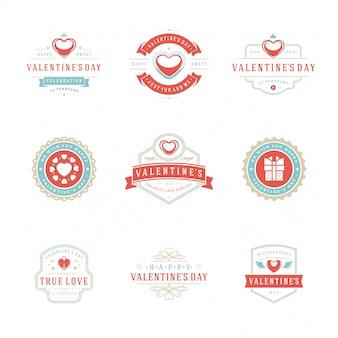Feliz día de san valentín tarjetas de felicitación e insignias tipografía vintage con símbolos de decoración