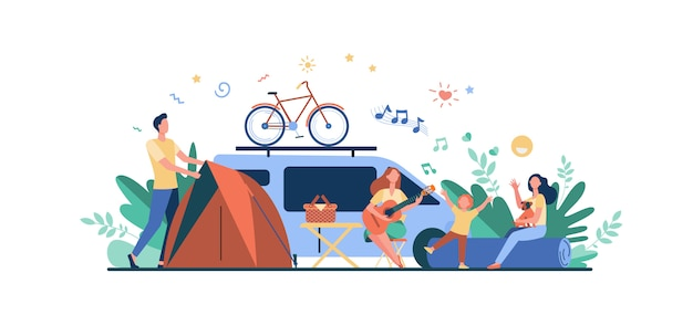 Feliz grupo de turistas acampando en la naturaleza