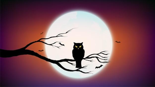 Feliz halloween con búho sosteniendo en rama y fondo morado oscuro con luna llena
