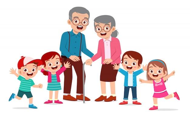 Feliz lindo anciano y mujer con familia juntos