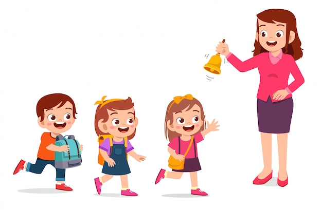 Feliz lindo niño pequeño niño y niña con profesor tocar una campana