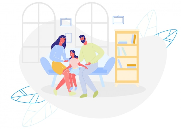 Feliz madre, padre e hija sentada en el sofá